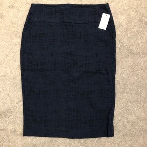 Rw&Co. navy blue patterned pencil skirt size small